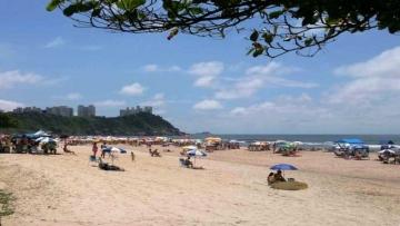 Guarujá terá banheiros, chuveiros e lava-pés em toda orla em 2018