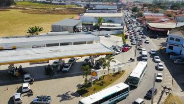 Paralisação de caminhoneiros já abala abastecimento, diz presidente da Associação Comercial de SP