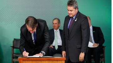 Bolsonaro sanciona novo Cadastro Positivo